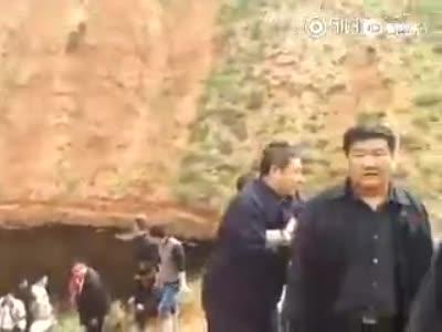 陕西一集油站大量原油泄露 水坝遭严重污染