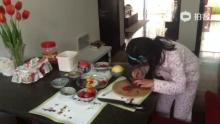 视镜--即兴创作:水果拼盘。无N机。(来自拍客手机客户端 下载地址:http://video.sina.com.cn/app/sinapaike.html)