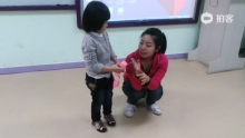 @lingjiao2012 宝贝声音好小啊,要大声哦![耶][耶][耶][耶](来自拍客手机客户端 下载地址:http://video.sina.com.cn/app/sinapaike.html)